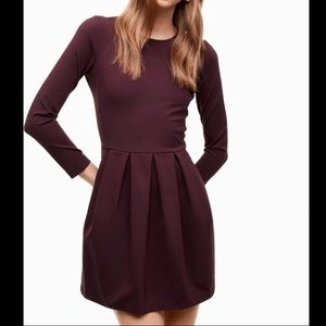 Aritzia Tartine Burgundy long sleeve dress